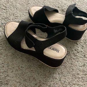 Born Platform Wedge Sandals 7 Black Maldives Heel